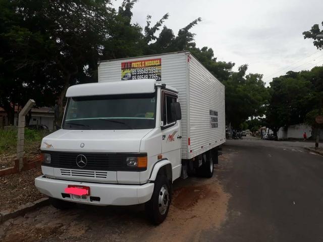 Vende-se 58.000 Benz 710 Baú OBS: sem freio a AR - Foto 2