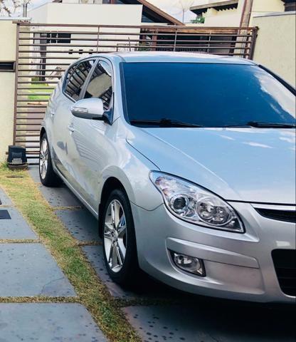 Hyundai i30 09/10 prata segundo dono