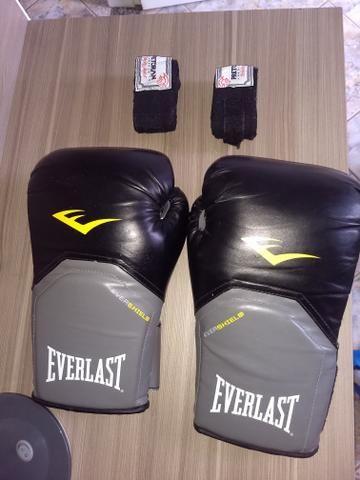 Luvas de boxe Everlast e atadura Pretorian - Foto 2