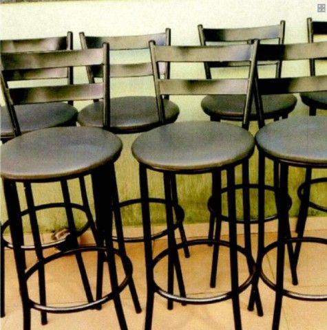 VR) 07 cadeiras tipo banquinho