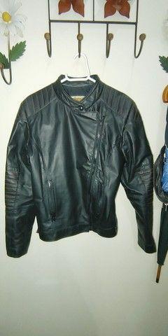 Jaqueta em couro feminina