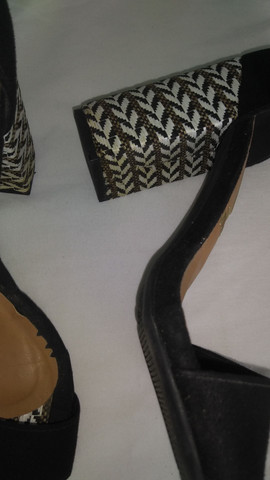 Três sapato por um só preco $ 100,00 são Gonçalo - Foto 5