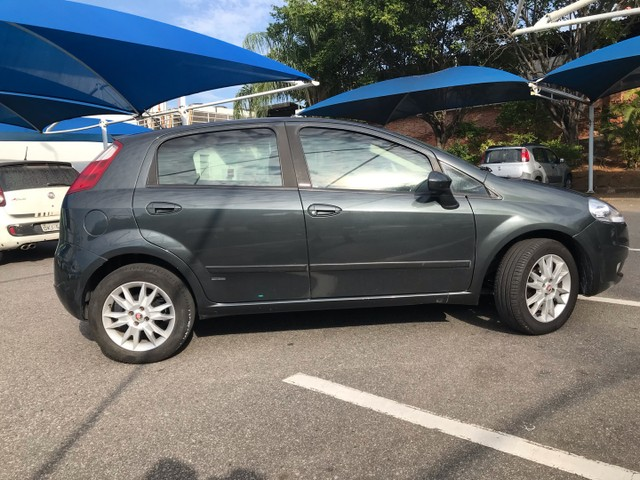 Fiat Punto 2011 1.6 único dono  - Foto 18