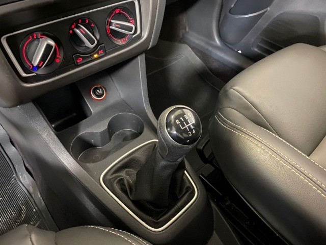 VW Fox Comfortline 1.0 12v - 2017 - Foto 11