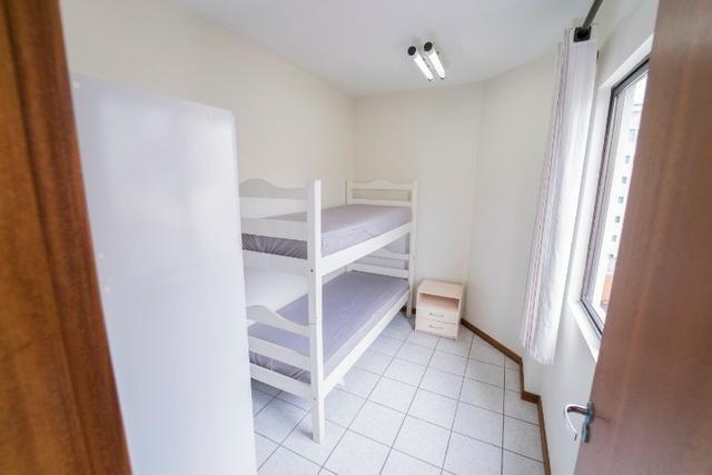 Apto 3 Dormitórios, bem localizado, mobiliado, ótimo histórico de locação de temporada - Foto 10