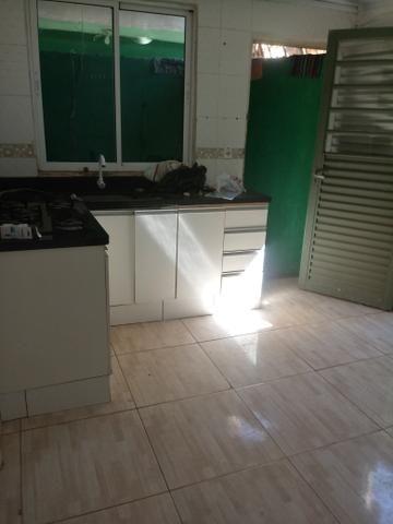 Casa e lote QNQ 2 avenida Comercial otimo pra renda - Foto 2