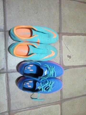 2 chuteiras, Nike mercurial e Adidas messi 16.4