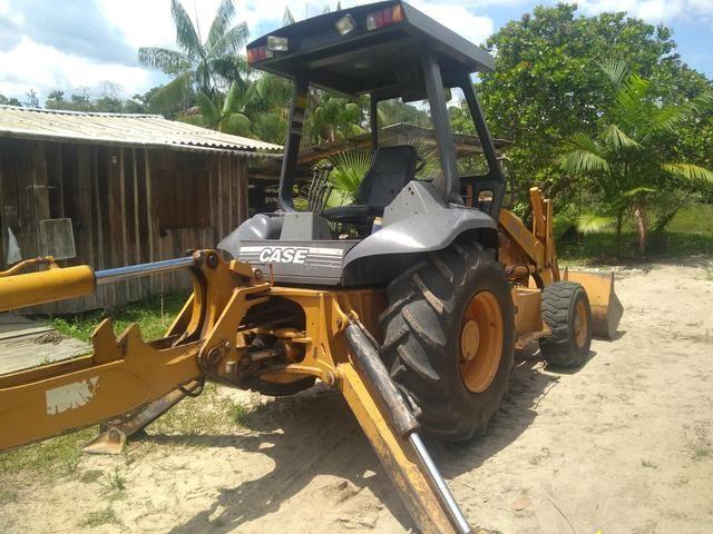 Retro escavadeira Troco por casa em Manaus - Foto 2