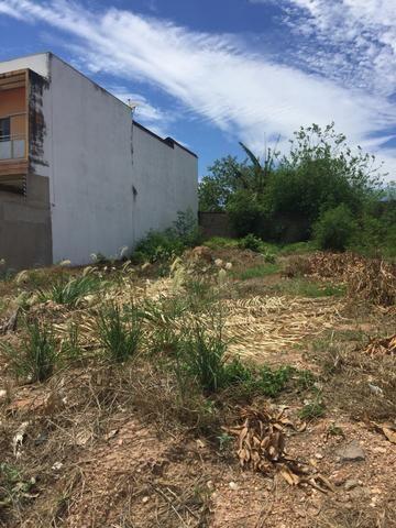 Vendo terreno no Tropical Ville