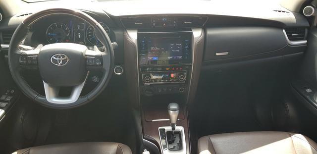 Toyota SW4 SRX 2017 30.000 km rodados - Foto 4