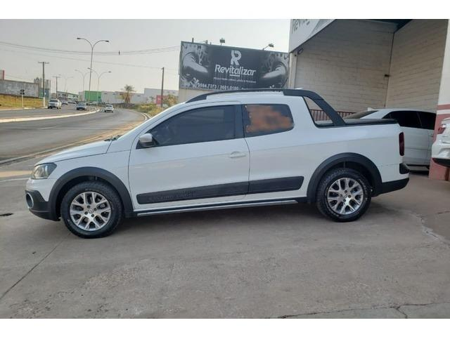 Volkswagen Saveiro Cross 1.6 16v MsI CD (Flex) 2015 - Foto 4