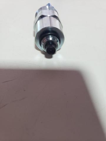 Solenoide bomba injetora cat 312dl 1472645 - Foto 3