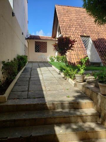 Casa com 4/4 e 630m² no Itaigara! - Foto 8