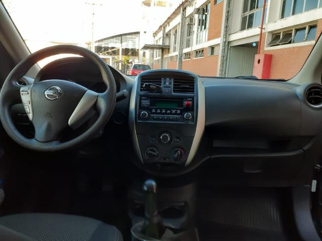 Nissan Versa 1.6 SV manual - estado de novo - Foto 5