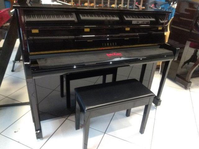 Piano Yamaha JX 113 Semi-novo (Mixer Instrumentos)
