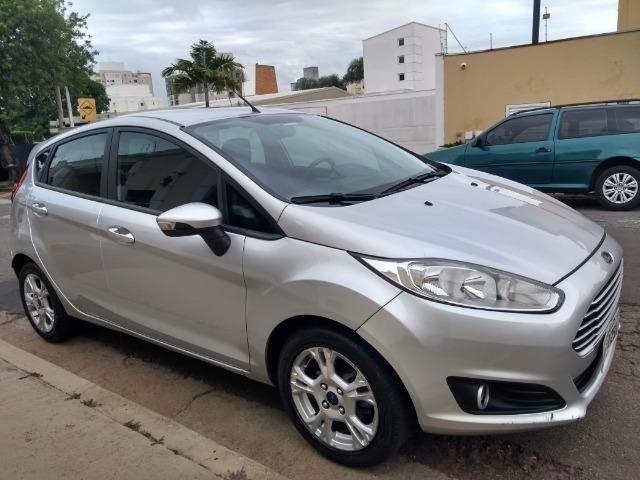 Ford Fiesta Hatch 1.5L SE Prata 2014/2014 ( 5P 111cv )