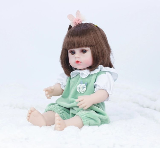 Boneca Reborn Toda Em Silicone Faz Xixi 38cm - Foto 4