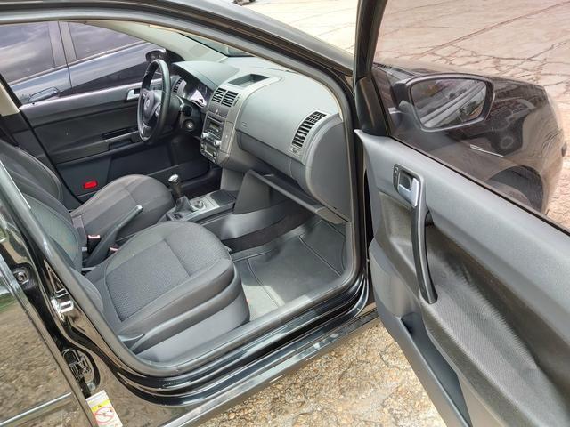 Polo sedan 1.6 Confortline 12/13 - Foto 4