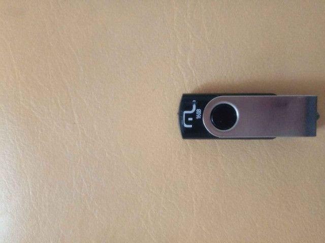 Vendo Xbox 360 com cabo HDMI + Pen Drive 16g + 2 Jogos - Foto 5