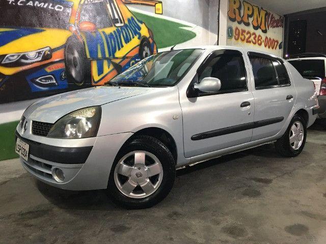 Clio Sedan Privilege 1.0 2004