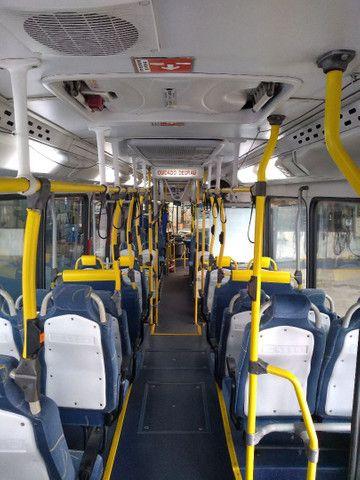 Ônibus urbano com ar condicionado. - Foto 6