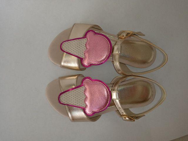 Kit 2 pares de sandálias infantis menina - Foto 4
