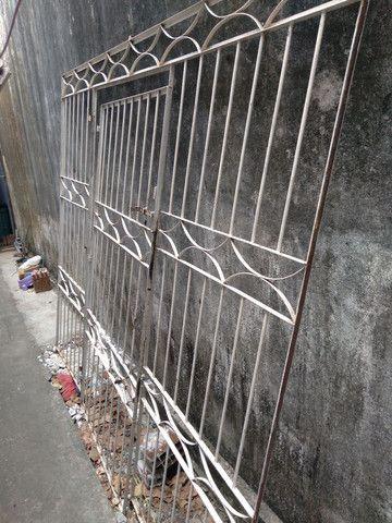 Vendo ou troco grade mais portão * - Foto 2