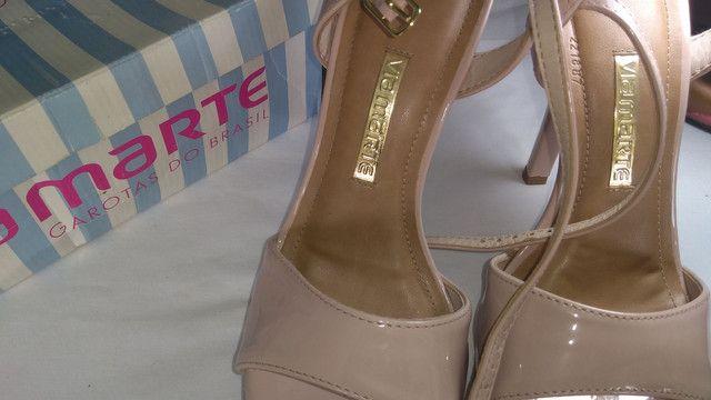 Três sapato por um só preco $ 100,00 são Gonçalo - Foto 2