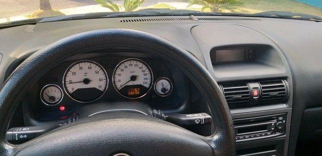 Astra hatch 2.0 2011 único dono 30 mil km - Foto 5