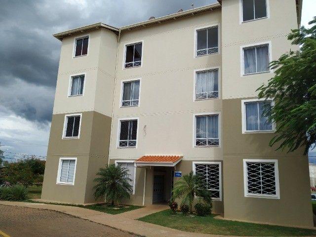 Excelente Apartamento no 3o. Andar do Condomínio Três Barras 1 no Bairro Rita Vieira