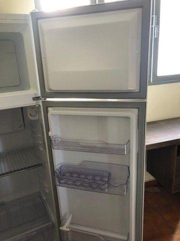 Geladeira/ Refrigerador Electrolux Cycle Defrost 2 Portas  - Foto 3