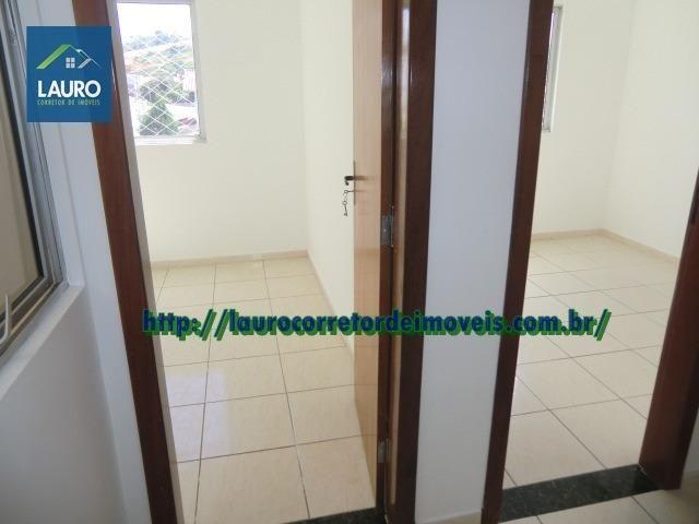 Apartamento com 02 qtos no 2° andar no Castro Pires - Foto 3