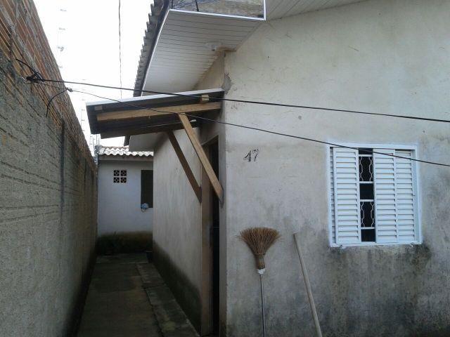 Vendem-se duas casas no mesmo terreno ou troca por outra em Porto Velho