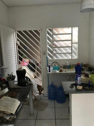 Casa com churrasqueira,cozinha planejada em terreno de 200m2 - Foto 8