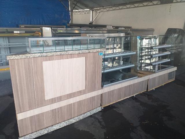Frente de balcões fabricados para padaria