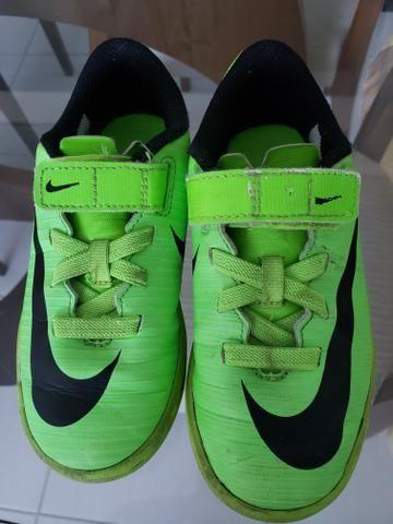 Chuteira Nike infantil sem cadarço - Foto 2