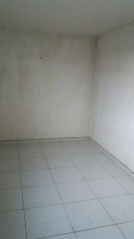 Alugo casa sobrado - Foto 5