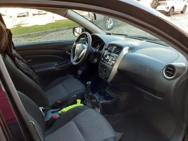 Nissan Versa 1.6 SV manual - estado de novo - Foto 4