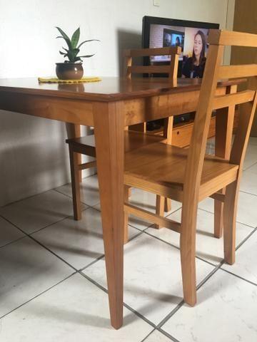 Mesa de jantar - 4 lugares - Madeira -Pé palito + 2 cadeiras - Foto 3