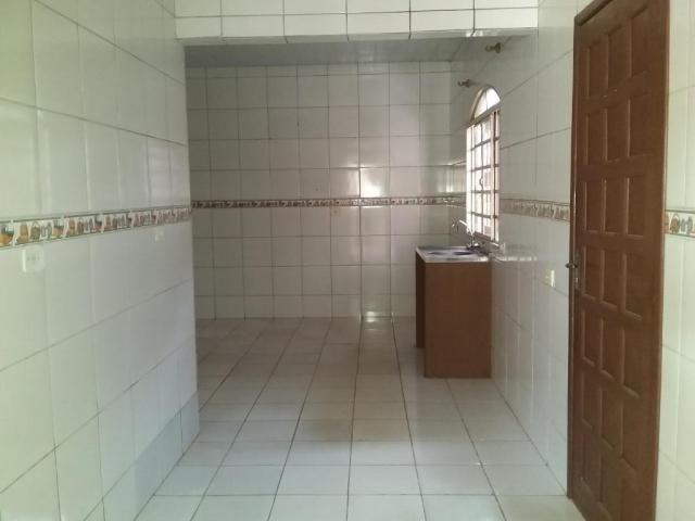 Casa com 4 dormitórios para alugar, 164 m² por R$ 1.900,00/mês - Cajuru - Curitiba/PR - Foto 3