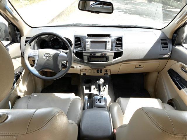 Toyota Hilux SW4 2013 diesel 7 lugares Pneus novos Pirelli!!! - Foto 7