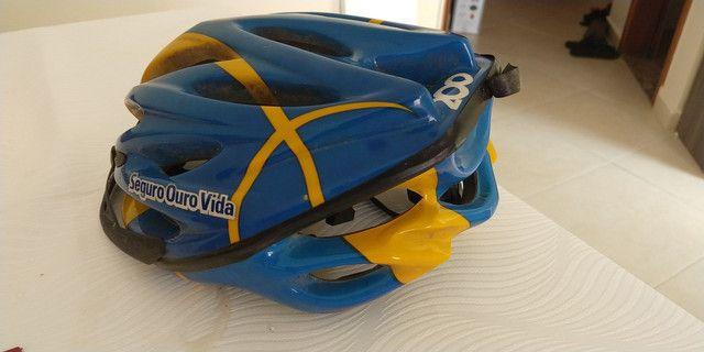 Bicicleta Aro 26 com capacete - Foto 3