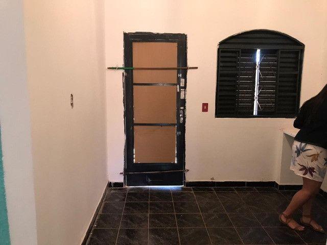 Vendo aceita financiamento Troco casa, aceito propostas - Foto 11