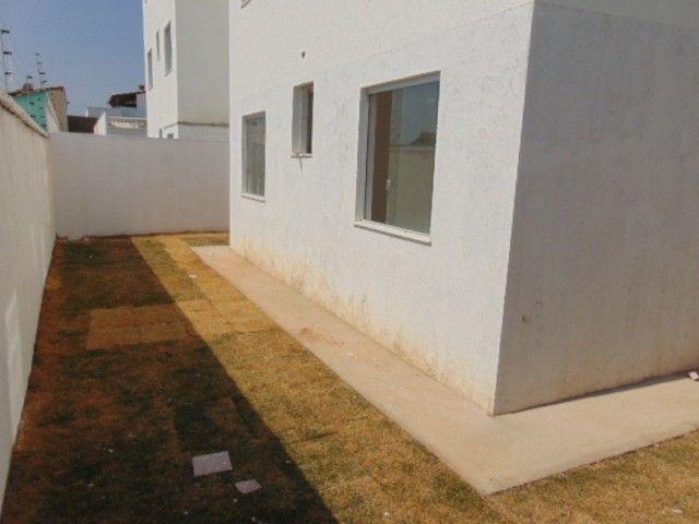 Lindo apto com excelente área privativa de 2 quartos em ótima localização.
