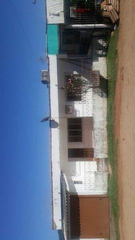 Casa Grande em frente a escola Santa Cecília  - Foto 4