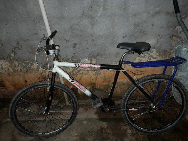 Vendo bicicleta toda no rolamento