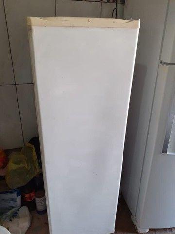 Freezer cônsul vertical slim - Foto 4