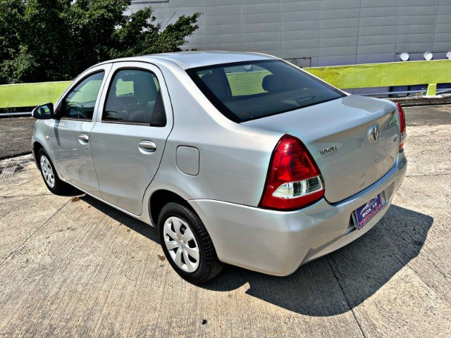 Toyota Etios sedan x1.5 única dona !!! - Foto 4
