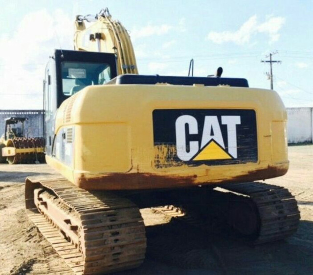 Escavadeira cat320D 2010 R$180.00