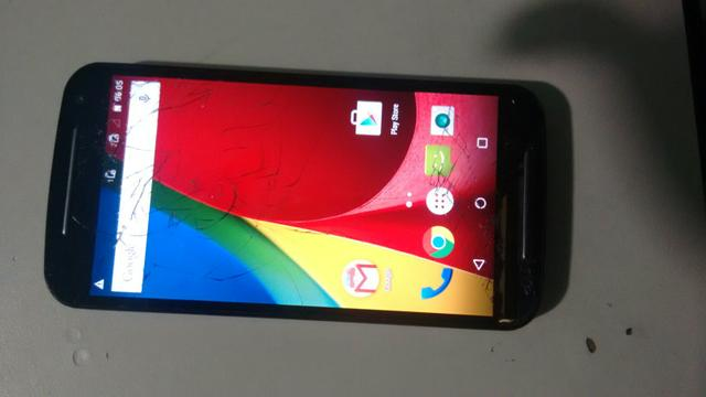 Vendo moto g 2 16 gb trincado mais pegando normal
